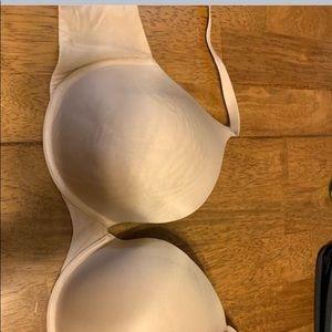 Victoria's Secret Intimates & Sleepwear - 40D